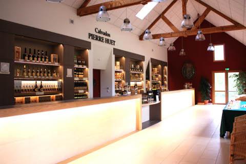 Vente de Calvados, Cidre et Pommeau au Domaine Pierre Huet près de Honfleur